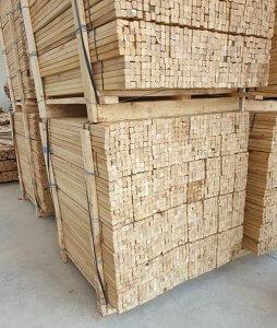 estacas de acacia para árboles