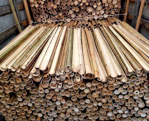 medias cañas de bambú decoración