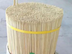 Recortes de bambú de color nartural