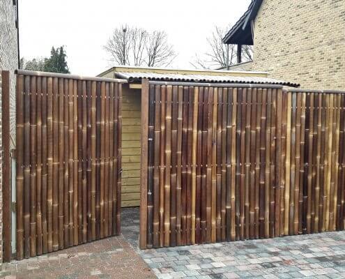 bambú puerta cubierta